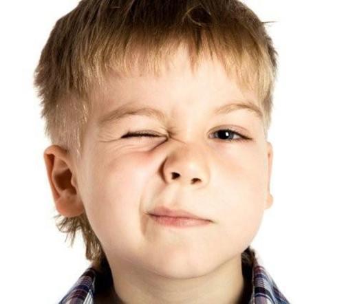 Bệnh rối loạn tic (máy giật) ở trẻ