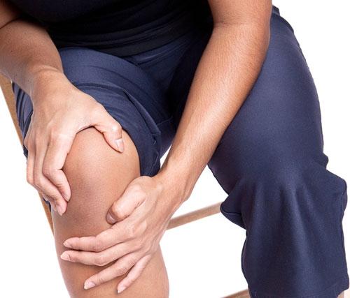 Đau nhức xương khớp và điều trị bằng thuốc nam
