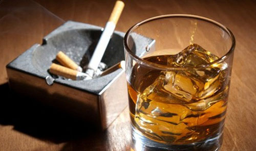 Rượu và thuốc lá là nguyên nhân gây Viêm dạ dày