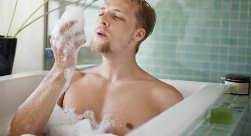 Tắm là giờ khắc cơ thể con người thoải mái nhất.