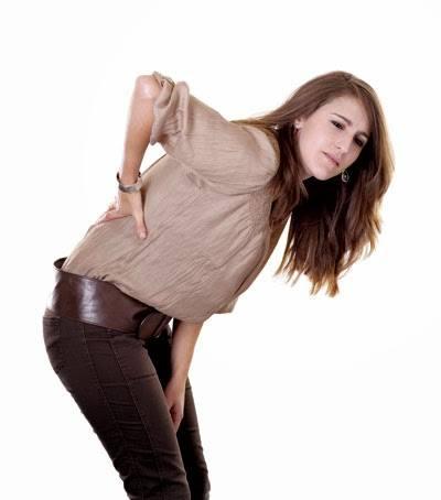 Vì sao chị em phụ nữ hay bị thấp khớp?