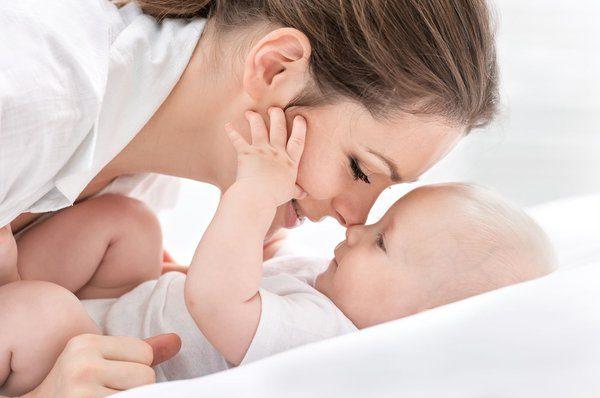 Bảo vệ chăm sóc trẻ mới sinh