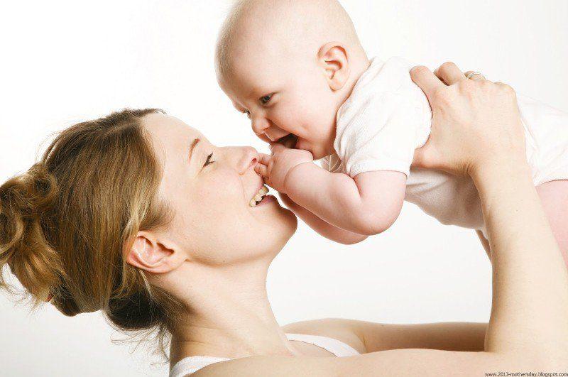 Sự phát triển và tâm lý của trẻ từ 4 tới 8 tháng