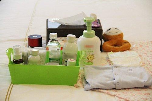 Đồ dùng tắm cho trẻ sơ sinh tại nhà