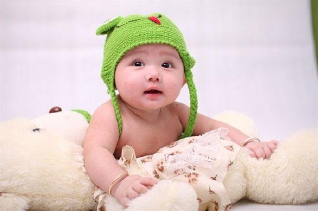 Bé từ 8 tới 12 tháng: Sự phát triển và tâm lý của bé