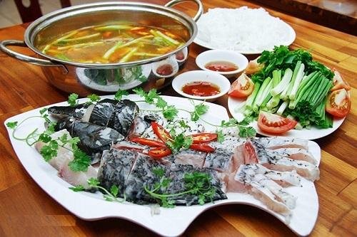 Lẩu thịt lợn, cua cá