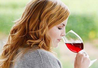 Ảnh hưởng tốt và không tốt của rượu với sức khỏe