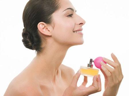 Sử dụng Nước hoa đúng cách và thơm lâu