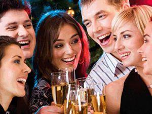 rượu bia trong các buổi tiệc tùng là vô cùng khó kiểm soát