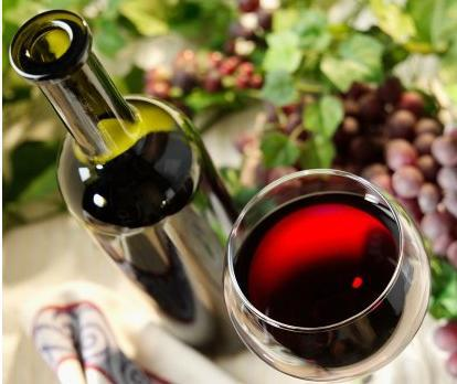 Rượu vang đỏ có lợi cho tim mạch