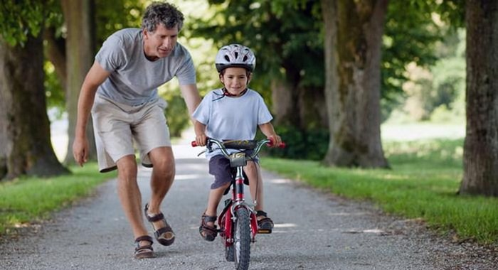 Bố mẹ cần chú ý gì khi cho trẻ em đi xe đạp