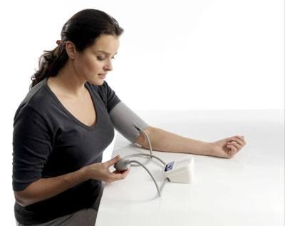 Bạn có thể tự đo huyết áp tại nhà